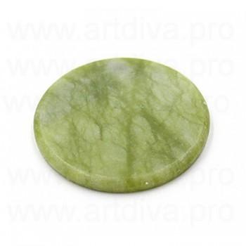 Нефритовый камень для клей